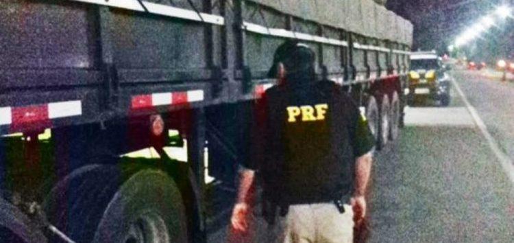 Veículo com sinais de adulteração é apreendido pela PRF na BR-101, em Guarapari