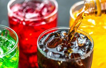 Justiça nega pedido de indenização por possível refrigerante com cloro em Guarapari