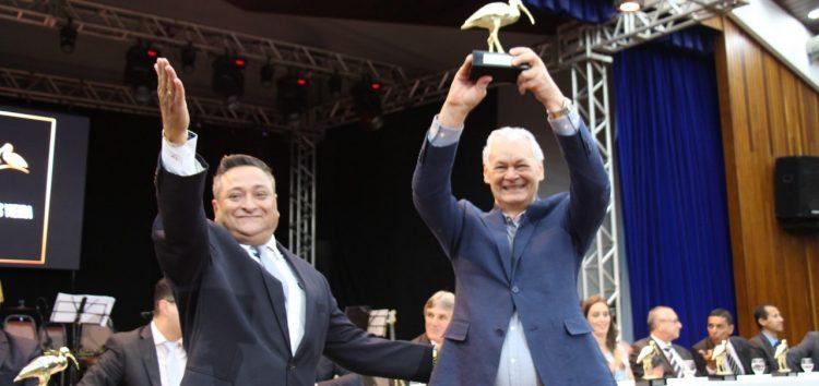 Presidente do HFA recebe Guará de Ouro da Câmara de Vereadores de Guarapari