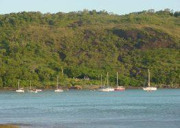 Não há confirmação de fragmentos de óleo em praias de Guarapari