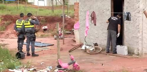 Casal é assassinado em Guarapari; Filha de 3 anos passa a noite ao lado dos corpos