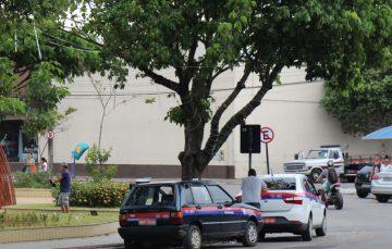 Morador reclama de taxistas que não utilizam o taxímetro em Guarapari