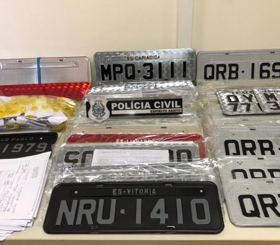 PC desarticula organização criminosa ligada a fábrica placas em Guarapari