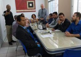 """""""O prefeito não receberá mais cheque em branco para o orçamento"""", disseram vereadores durante coletiva em Guarapari"""