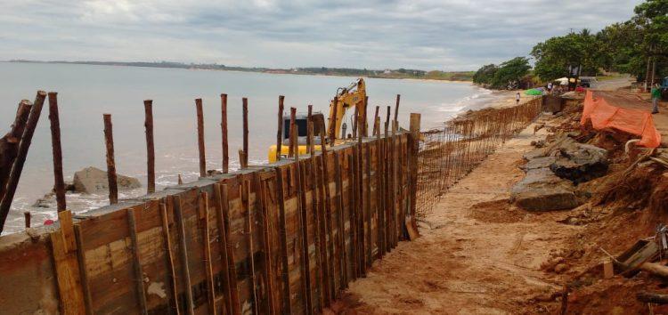 Muro em Praia de Meaípe deve ficar pronto no início de janeiro