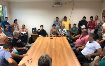 Em reunião, prefeito de Guarapari explica programa Caminhos do Campo
