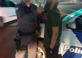 Dois indivíduos detidos em ação da PM no trânsito de Guarapari