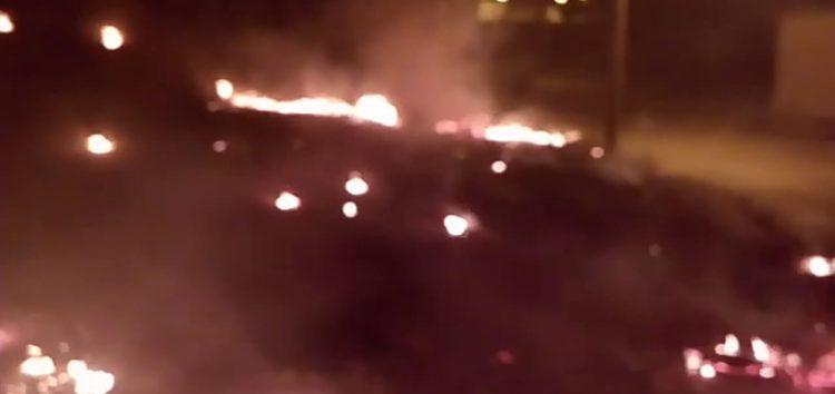 Fogo em vegetação assusta moradores em Guarapari