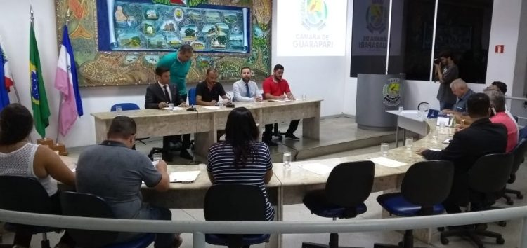Vereador pede vista de processo e votação do orçamento é adiada mais uma vez em Guarapari