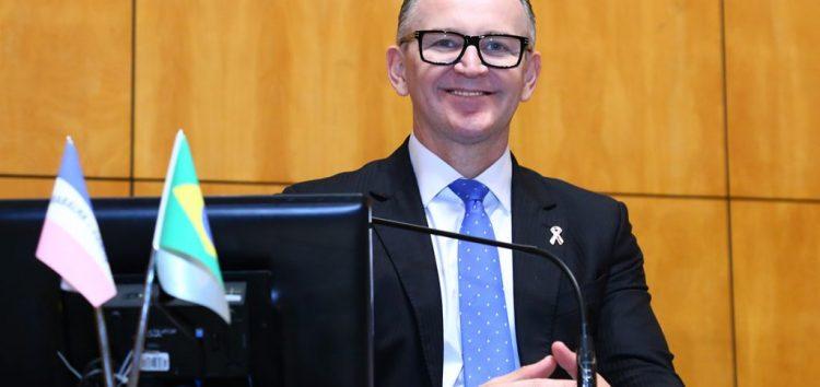 Deputado apresenta projeto para garantir transparência na transição dos governos do ES