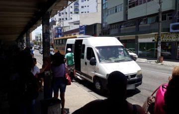 Você utiliza vans? Moradores de Guarapari relatam problemas no transporte