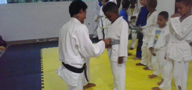 Professor de judô se capacita com apoio de Ong em Guarapari