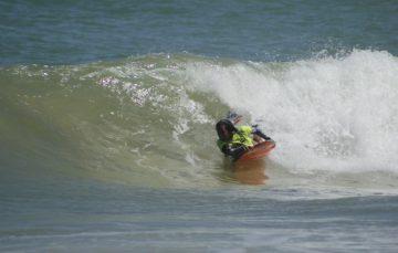 Atleta de Guarapari quer título inédito em estadual de bodyboarding
