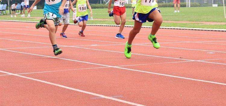 Faculdade promove escola de atletismo para crianças e adolescentes de Guarapari