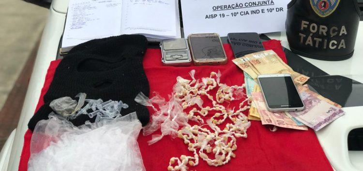 Acidente em Anchieta leva Polícia até casas com drogas