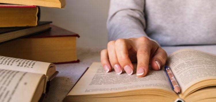 ES oferece cursos de mestrado e doutorado para professores efetivos do estado
