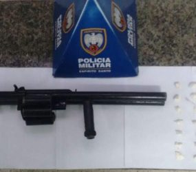 PM de Guarapari apreende drogas e arma de fogo no Ipiranga