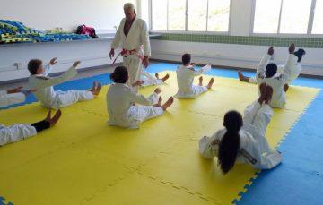 Programa oferece esporte para 100 alunos da rede municipal em Guarapari