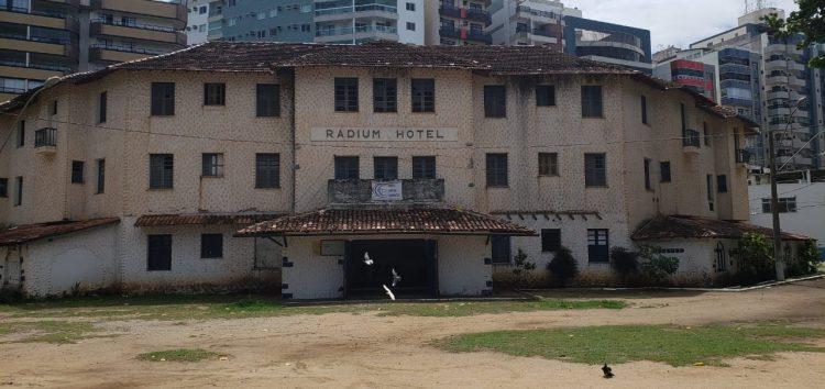 Governo do ES faz sondagem para concessão do Radium Hotel em Guarapari