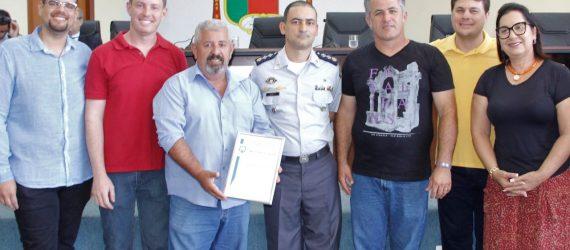 Polícia Militar homenageia Câmara durante comemoração de aniversário em Anchieta