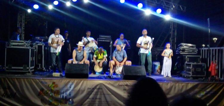 Com direito a apresentação de banda de congo, 1ª Feira de Arte Sacra faz sucesso em Guarapari