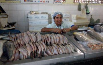 Às vésperas da Semana Santa, expectativa de venda está alta no Mercado de Peixe de Guarapari