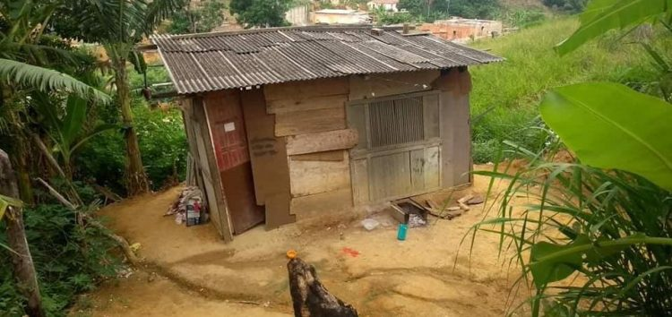 Ação arrecada material de construção para famílias de Guarapari