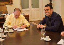 Casagrande apresenta novos Projetos de Lei voltados para a economia do ES