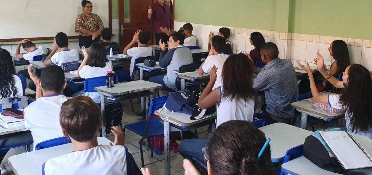 Após visitar escola de Guarapari, deputado estadual solicita melhorias ao Governo do ES