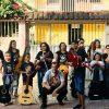 Projeto social no bairro Coroado oferece aulas gratuitas de violão em Guarapari