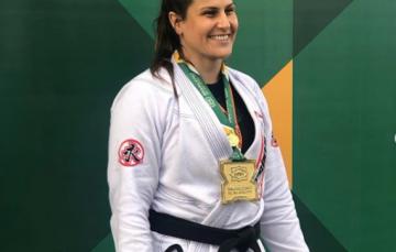 Após conquistar ouro no Jiu-jitsu, atleta de Guarapari segue para competição mundial nos Estados Unidos