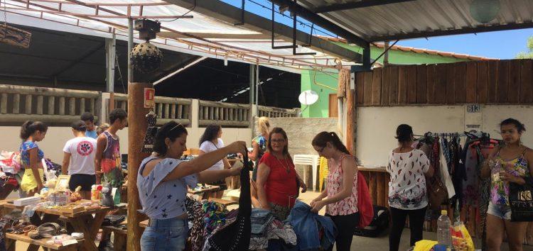 Bazar arrecada recursos para ajudar cães e gatos de rua em Alfredo Chaves