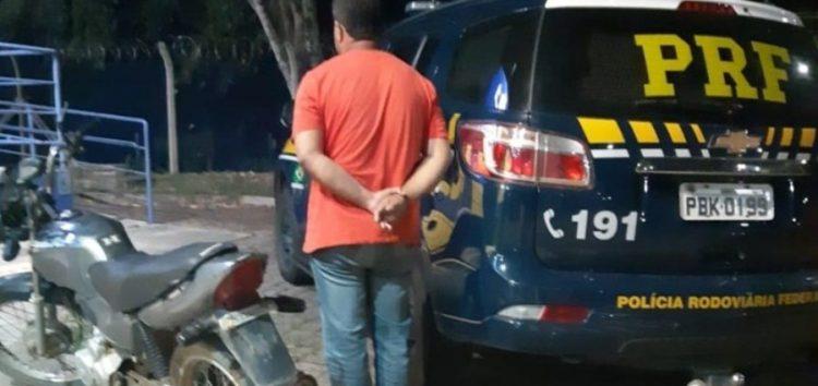 Polícia Rodoviária Federal recupera moto furtada em Guarapari