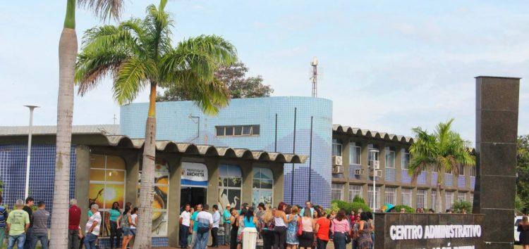Servidores de Anchieta recebem direitos trabalhistas não pagos na gestão passada