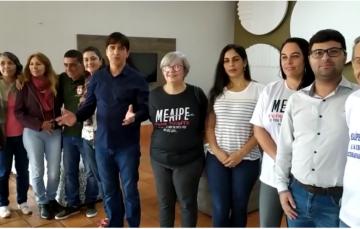 Prefeito de Guarapari se reúne com moradores para tratar sobre a revitalização da orla de Meaípe