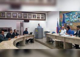 Após nova convocação, vice-prefeito de Guarapari explica sobre recursos aplicados em quadra de areia