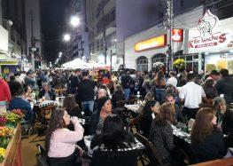 Primeira noite do 3º Esquina da Cultura em Guarapari agrada ao público; hoje tem Luiz Ayrão