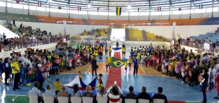 Cerimônia abre os jogos escolares da rede municipal de Guarapari