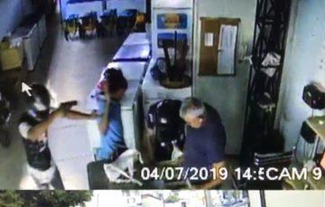 Homens realizam assalto a mão armada em sorveteria de Guarapari