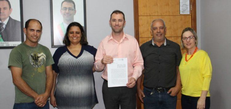 Incaper e prefeitura de Anchieta firmam convênio