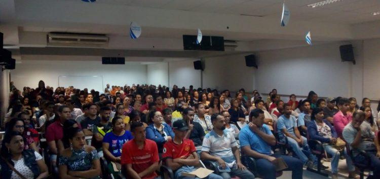 Mais de 250 moradores de Guarapari buscam oportunidade em feira de empregos