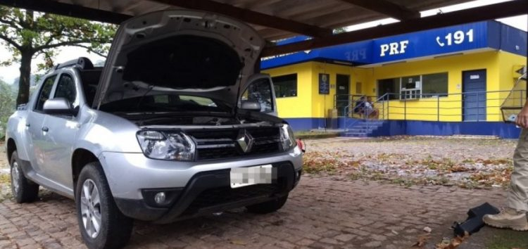PRF recupera veículo furtado na BR 101 em Guarapari
