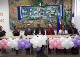 Sessão solene na Câmara de Guarapari debate desvalorização profissional no Dia do Professor