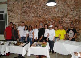 Participantes do Sabores de Boteco apresentaram os pratos em Anchieta