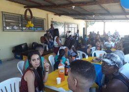 Time de Guarapari mobiliza comunidade e constrói área de convivência no Adalberto