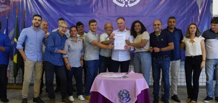 Estado inaugura quadra e entrega equipamentos em Alfredo Chaves