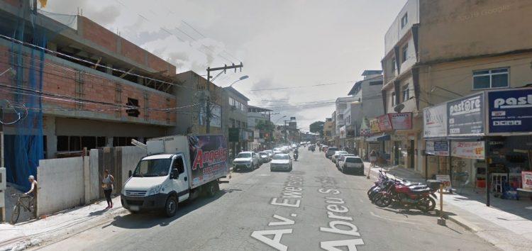 Obras alteram trânsito em via importante de Guarapari