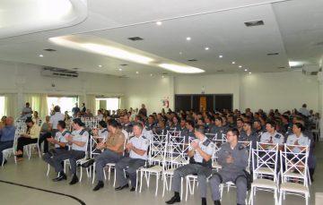 Policiais Militares recebem homenagem de destaque operacional em Guarapari