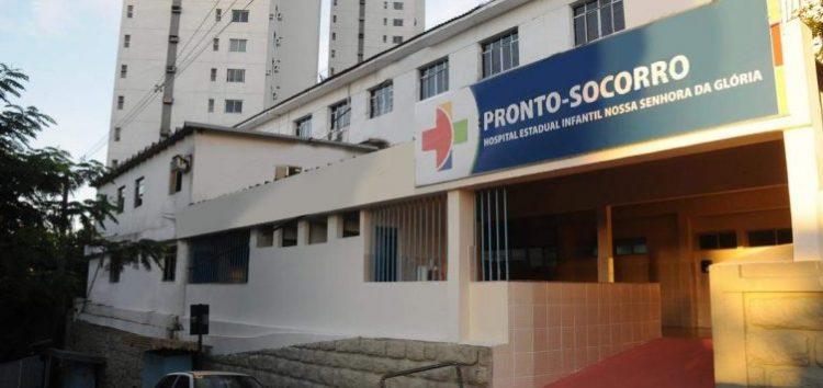 Criança atingida por bala perdida em Guarapari continua internada em estado grave