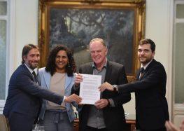 ES assina acordo de combate à corrupção e lança ferramenta de transparência de compras públicas